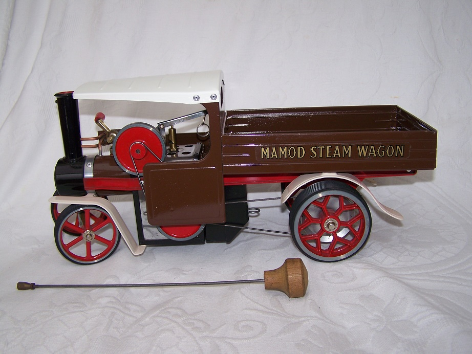 Mamod SW1 model steam engine Wagon finished in chocolate brown.