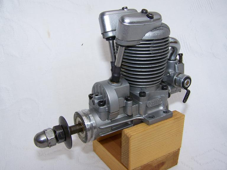 Saito 40 Special 4 stroke Model engine