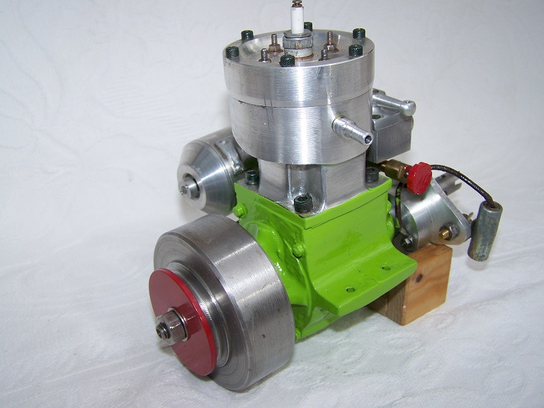 Large 25-30cc Spark ignition Water cooled model boat engine.
