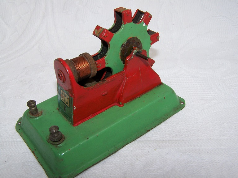 Anfoe tinplate electric motor.