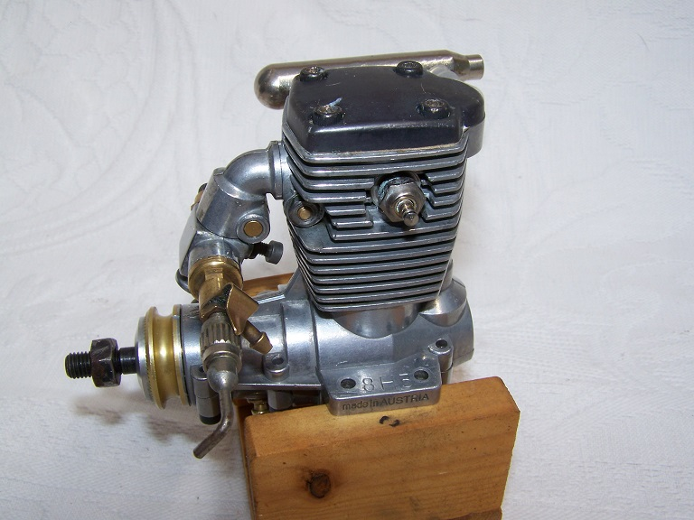 Hirtenberger F C 25 4 Stroke model engine.