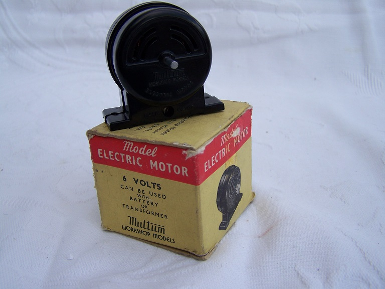 Multum electric motor in box.