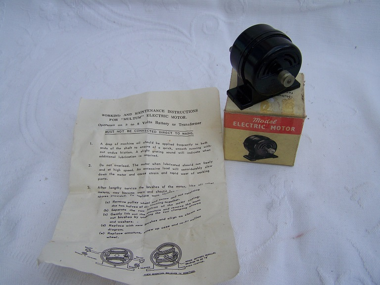 Multum electric motor boxed with instructions and pulley