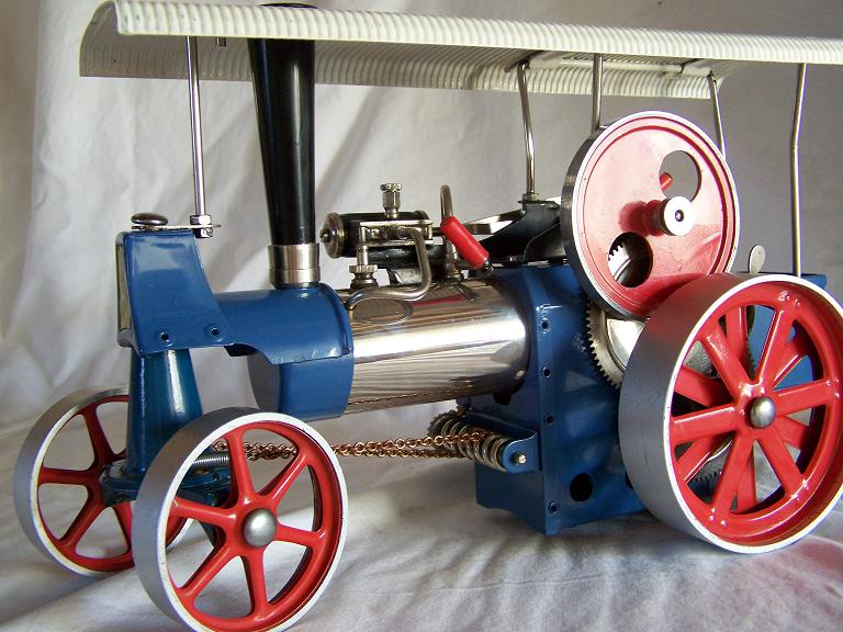 WILESCO OLD SMOKEY TRACTION ENGINE