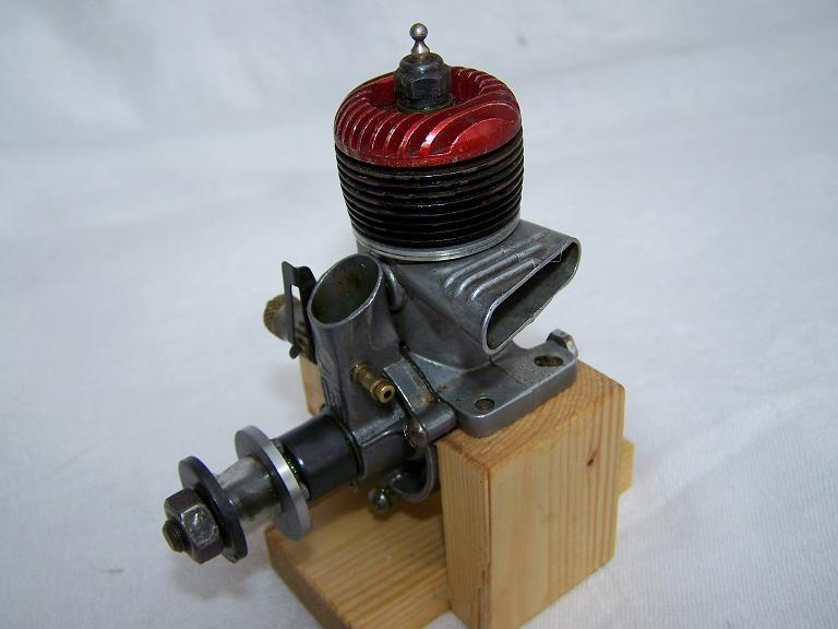 O&R 33 Glow model airplane engine