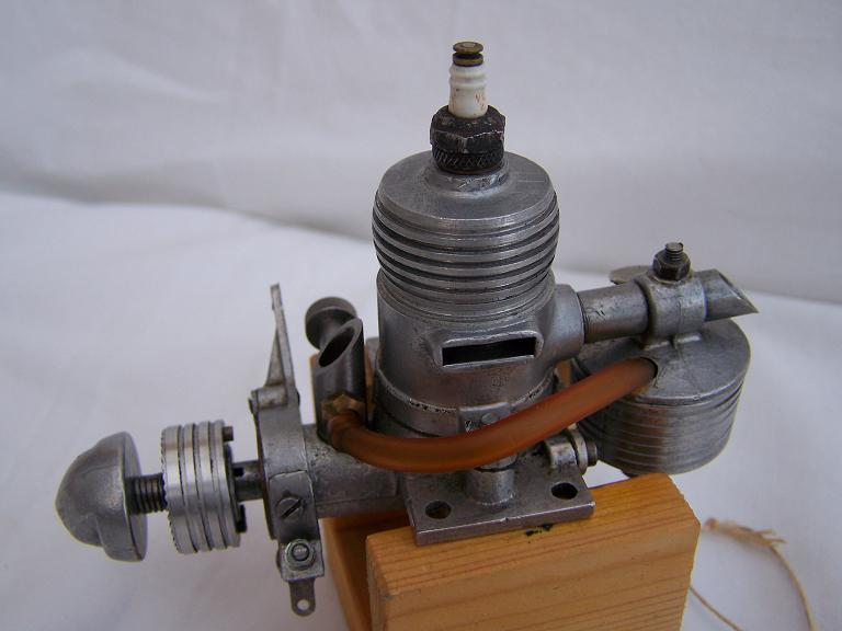 Rogers 29 spark ignition model engine