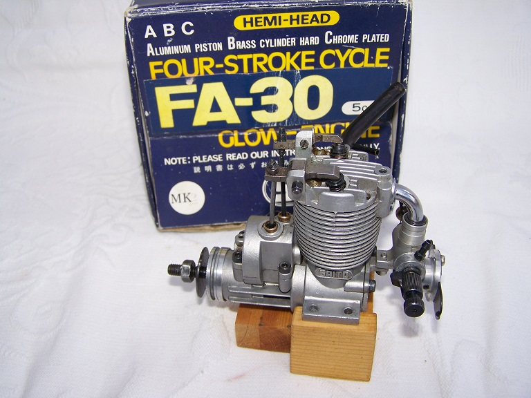 Saito F A 30 open rocker 4 stroke engine