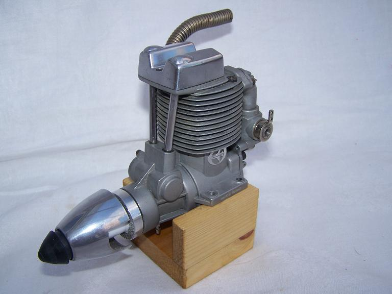 Thunder Tiger 91,15cc 4 stroke model aeroplane engine