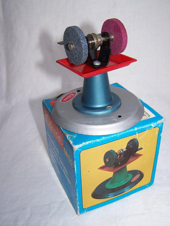 Wilesco grinder with box